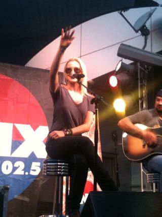 Kellie Pickler KNIX