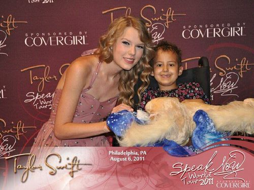 Taylor Swift and Lexi