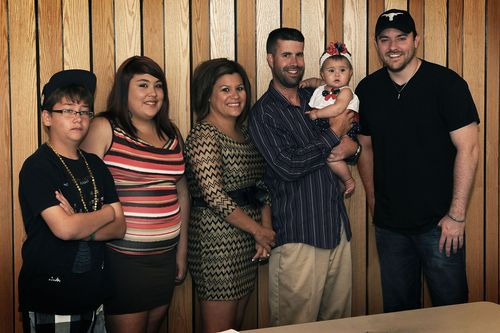 Chris Young visits air force base
