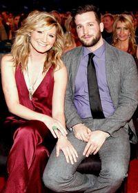 Jennifer-Nettles-Husband-Justin-Miller-PHOTOS