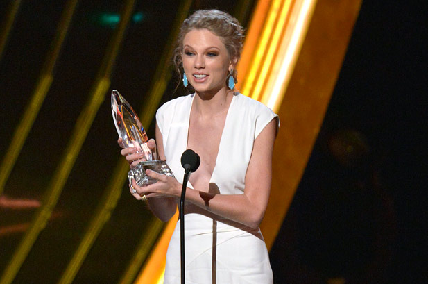 2682999-taylor-swift-peoples-choice-awards-2-2013-617-409