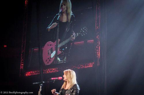Miranda_Lambert_Locked_and_Reloaded_Tour0166