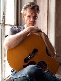 RandyTravis_guitar_publicity_lrg