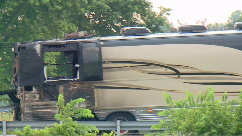 Toby-keith-tour-bus-fire-2