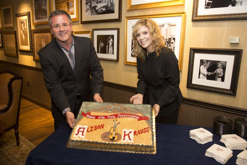 Alison Krauss 20th cake and Pete by Chris Hollo-1408 7-3-13