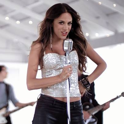 Jana-Kramer-I-Hope-It-Rains-Video-CountryMusicRocks.net_