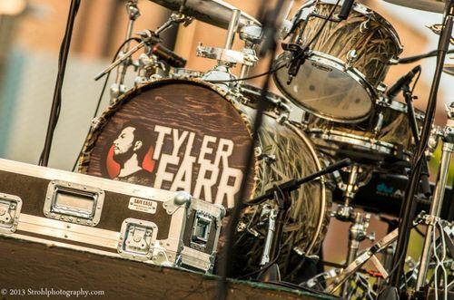 Tyler-Farr-Decatur-Celebration-0011