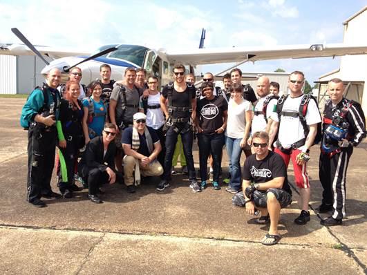 Brett Eldredge skydiving