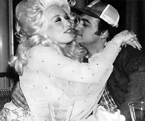 Dolly-Parton-and-John-Belushi