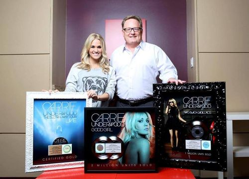 Carrie plaques
