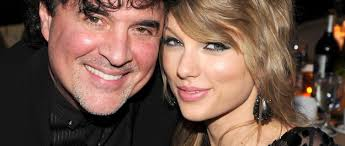 Taylor Swift Scott Borchetta