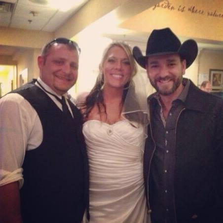 Craig Campbell wedding singer