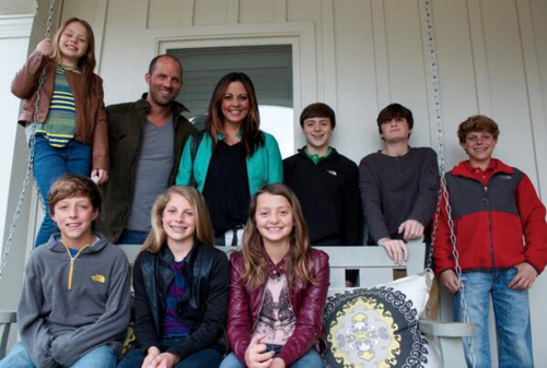 Sara Evans and family