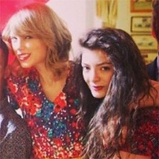 PHOTOS-Taylor-Swift-celebrates-24th-birthday-with-Lorde-and-garden-party