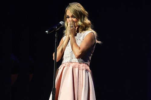 Carrie-underwood-acm-honors-2014-billboard-650x430