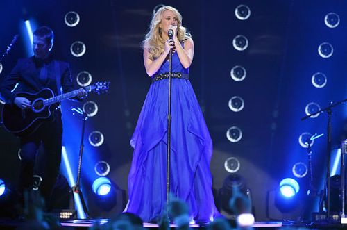 2014-american-country-countdown-awards-carrie-underwood-performance-billboard-650