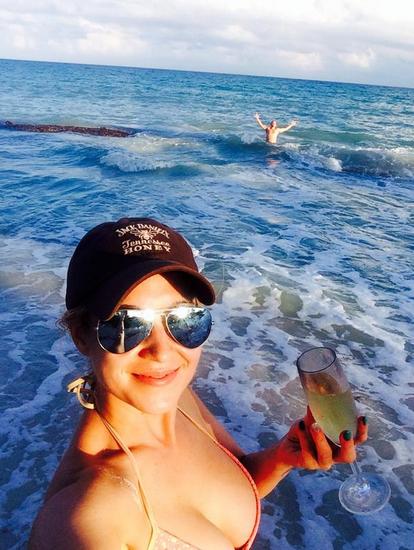 Kellie Pickler beach babe