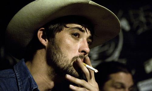 Ryan_bingham_smoking